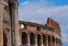 L'amphithéâtre de Colisé à Rome Italie image stock
