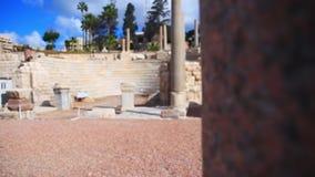 L'amphithéâtre un mur roumain avec des piliers sur le fond banque de vidéos