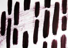 L'ampia linea diagonale e su è brevi linee dense disegnate Dietro le canne un fiume è visibile fotografia stock libera da diritti