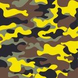 L'ampio terreno boscoso di modo senza cuciture e il camo giallo modellano l'illustrazione di vettore per la vostra progettazione  Fotografie Stock