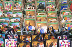 L'ampoule met en sac avec le portrait du peintre Rembrandt van Rijn Photos stock