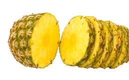 L'ananas a coupé en parts Photos libres de droits