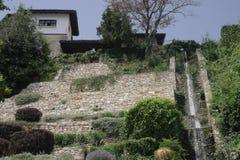 L'ancienne résidence de la reine roumaine, le jardin botanique Balchik photos stock