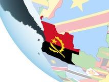 L'Angola avec le drapeau sur le globe illustration de vecteur