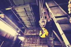 L'annata ha tonificato il gancio della gru nella miniera di carbone abbandonata Fotografia Stock Libera da Diritti