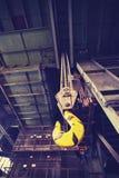 L'annata ha tonificato il gancio della gru nella vecchia miniera di carbone abbandonata Fotografie Stock Libere da Diritti