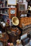 L'annata obietta il negozio di oggetti d'antiquariato Fotografie Stock Libere da Diritti
