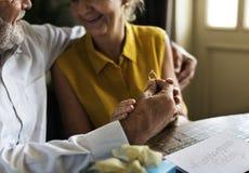 L'anniversaire plus âgé de couples se produisent concept Photographie stock libre de droits