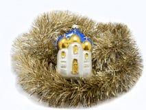 L'anno del nye di Natale gioca la chiesa sopra fondo bianco Fotografia Stock