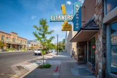 L'annuncio pubblicitario d'annata firma in Logan, Utah fotografie stock libere da diritti