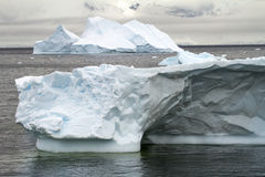 L'Antarctique - iceberg Non-tabulaire Images stock