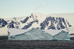 L'Antarctique - iceberg tabulaire Image stock