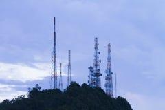 L'antenna alta con la montagna ed il cielo Fotografia Stock