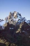 L'antenna del monte Kenya, Africa e nevica a gennaio, la seconda più alta montagna a 17.058 piedi o 5199 metri Fotografia Stock