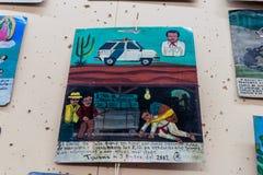 L'ANTIGUA, GUATEMALA - 26 MARS 2016 : Lame de Retablo, peinture de dévotion d'un art populaire mexicain Il est au sujet de cartel photo libre de droits