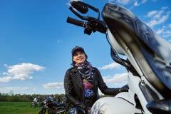 L'apertura dei motociclisti lituani condisce, riunione nella fattoria rurale di turismo, ritratti fotografie stock