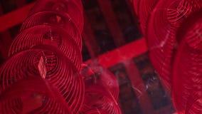 L'appareil-photo se déplace vers le haut par la lanterne en spirale de Chinois de fil clips vidéos