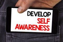 L'apparence de note d'écriture développent la conscience de soi-même La présentation de photo d'affaires améliorent vos informati photo libre de droits