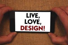L'apparence de note d'écriture vivante, amour, conçoivent l'appel de motivation La présentation de photo d'affaires existent tend Images libres de droits