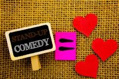 L'apparence des textes d'écriture tiennent la comédie Comédien Night d'exposition d'amusement de club de divertissement de signif Image stock