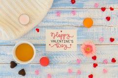 L'appartement de jour du ` s de Valentine de vintage étendent le calibre de la note de lettrage de main d'amour Photographie stock