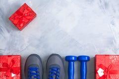 L'appartement de sport de fête d'anniversaire de Noël de vacances étendent la composition Photos stock