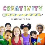 L'apprendimento di istruzione è concetto del grafico dei bambini di divertimento Immagine Stock