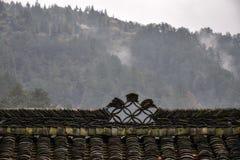 L'arête décorative de sur la vieille maison chinoise Images stock
