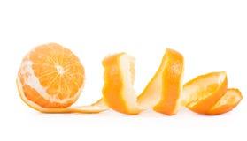 L'arancia ha sbucciato il fondo bianco isolato pelle Fotografie Stock Libere da Diritti