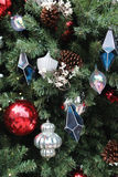 L'arbre de Noël avec des ornements Photos libres de droits