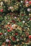 L'arbre de Noël avec des ornements Photo stock