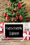 L'arbre de Noël coloré, Geschenk Ideen signifie des idées de cadeau Photo libre de droits