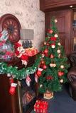 L'arbre de Noël décoré vert Image stock