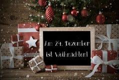 L'arbre nostalgique, flocons de neige, Weihnachten signifie Noël Image stock