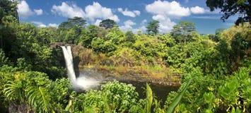L'arc-en-ciel tombe grande île, Hawaï Image libre de droits