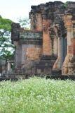 L'architecture antique est partie pour raconter l'histoire dans le passé Image stock