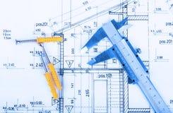 L'architecture roule l'architecte de projet de plans architecturaux Photographie stock libre de droits
