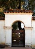 L'arco dell'entrata della missione di San Juan Bautista Fotografia Stock Libera da Diritti
