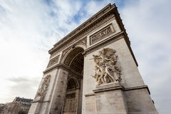 Chiuda sull'Arco di Trionfo Parigi - in Francia Fotografie Stock Libere da Diritti