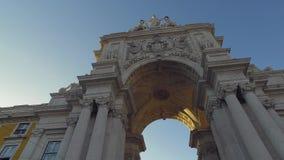 L'arco famoso ad Augusta Street a Lisbona archivi video