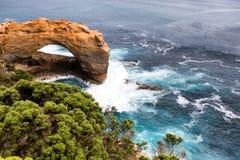 L'arco a porto Campbell National Park sulla grande strada dell'oceano immagine stock