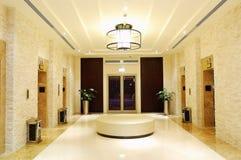 L'area degli elevatori all'albergo di lusso Immagini Stock