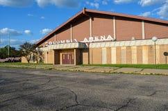 L'arena abbandonata di Colombia, un vecchio hockey su ghiaccio e la pista di pattinaggio, erano la posizione di ripresa dal fotografia stock