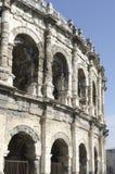L'arena di Nimes, romana rimane Immagine Stock