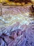 L'arenaria mette a strati l'estratto variopinto del fondo del primo piano fotografia stock