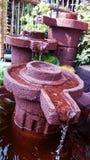 L'argilla ha fatto la fontana le Filippine del giardino Fotografia Stock Libera da Diritti