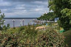 L'argine del fiume Amur in Chabarovsk fotografia stock