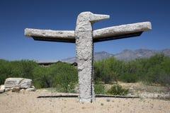 L'Arizona, Tucson, U.S.A., l'8 aprile 2015, scultore della roccia dell'uccello di tuono fotografia stock libera da diritti