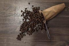L'aroma degli straripamenti del caffè fotografia stock libera da diritti