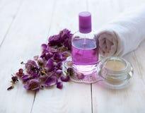 l'arrangement de station thermale, la rose de rose, la santé et la beauté s'inquiètent Photographie stock